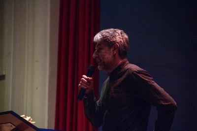 Diego Arroyo, regidor d'Educació, durant la seva intervenció a l'acte de cloenda